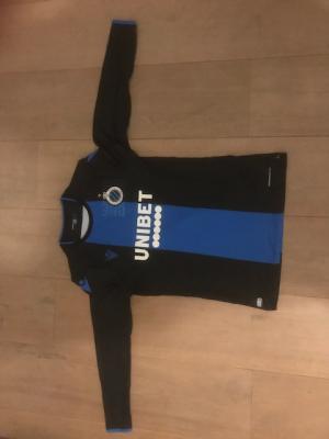 C. Shirt Club Brugge (L,volledig aanzicht) en 2 wedstrijdkaarten (zondag 23 feb)